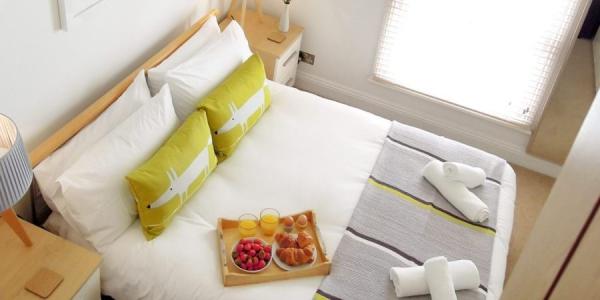 pilchard-cottage-bedroom1