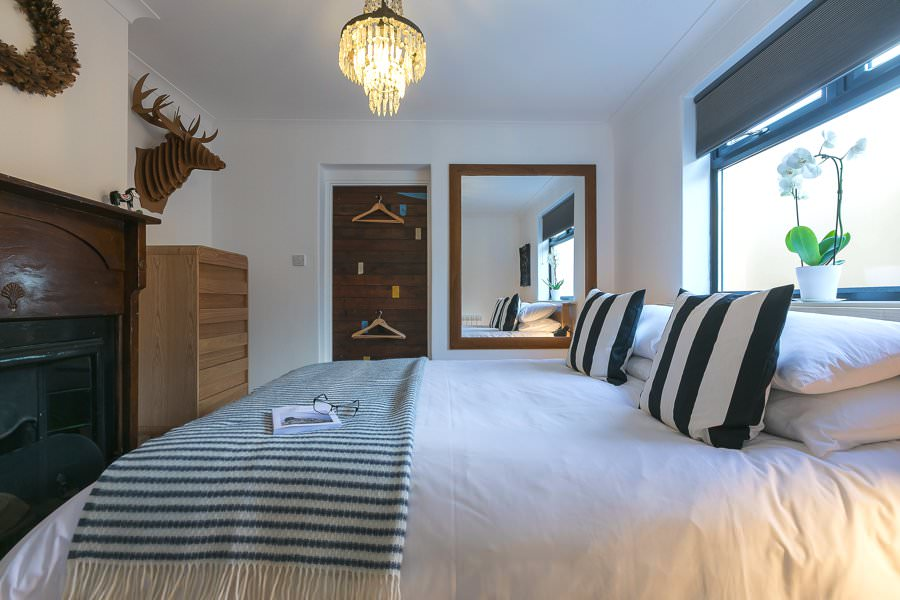 st-ives-cornwall-holiday-house-stones-reef-bedroom