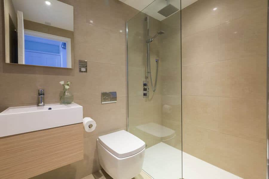 st-ives-self-catering-blue-view-bathroom