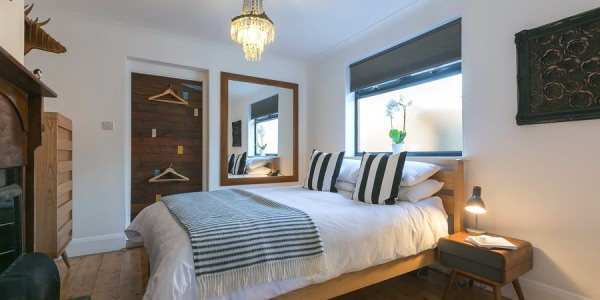 st-ives-cornwall-holiday-house-stones-reef-bedroom-00