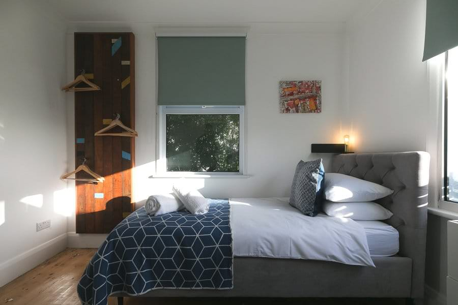 st-ives-accommodation-stones-reef-holiday-house-bedroom