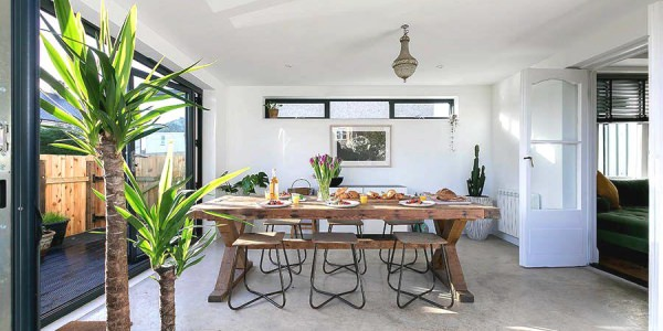 st-ives-cottage-stone-reef-dining-area-02