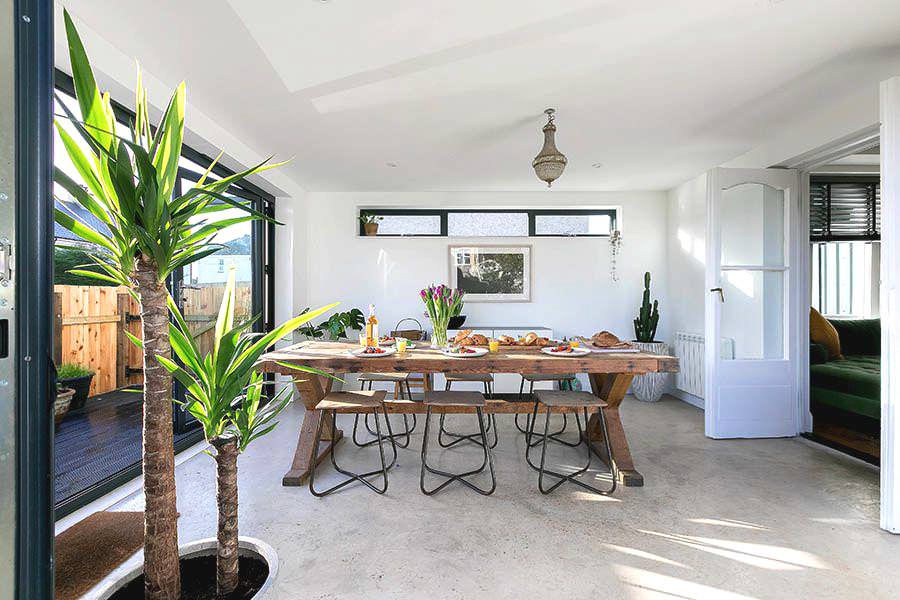 st-ives-cottage-stone-reef-dining-area