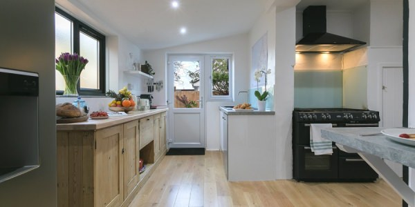 st-ives-cottage-stones-reef-kitchen-03