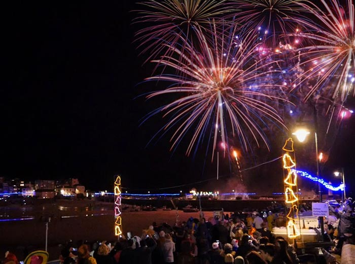 st-ives-fireworks-new-years-eve