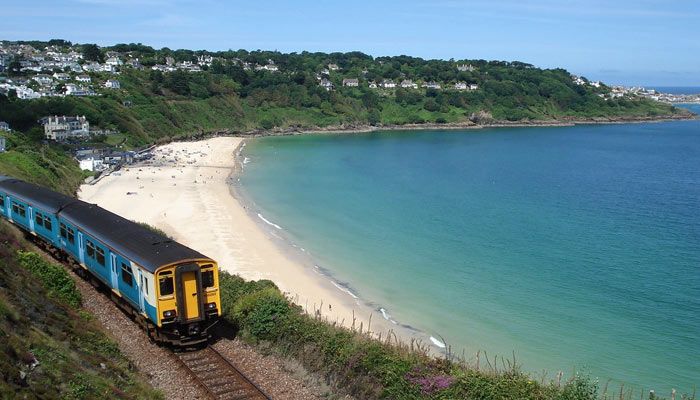 st-ives-train-to-st-erth