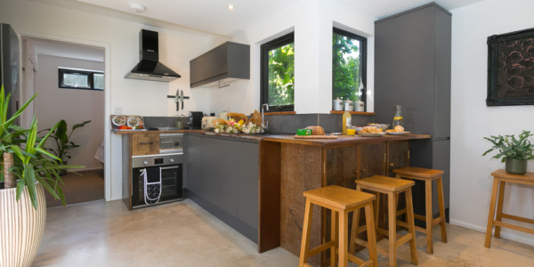 the-cabin-st-ives-kitchen