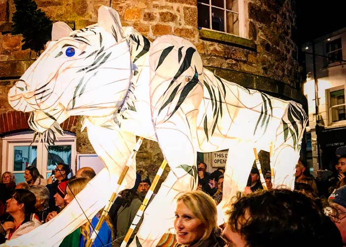 lantern-parade-in-st-ives